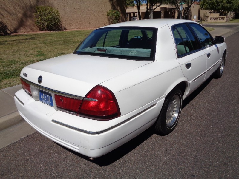 2000 Mercury Grand Marquis LS (same as Ford Crown Victoria) * Clean