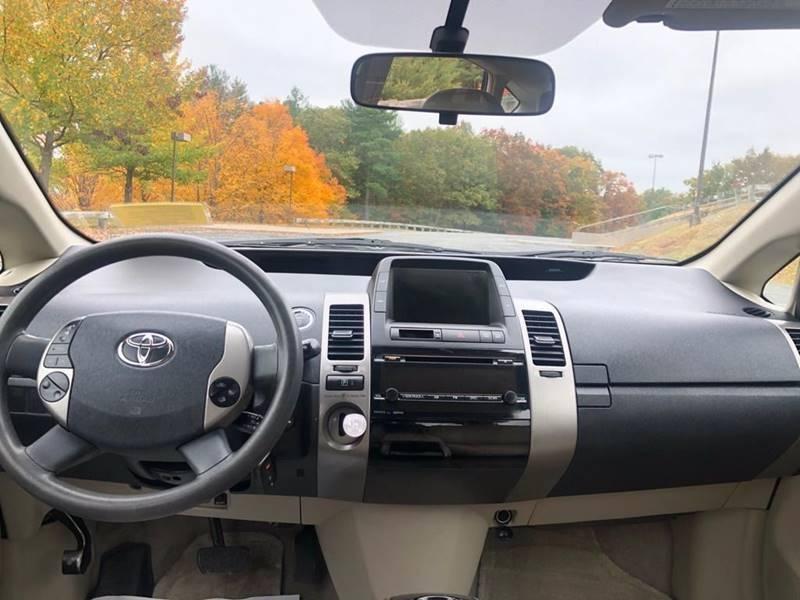 Toyota Prius 2009 price $6,297