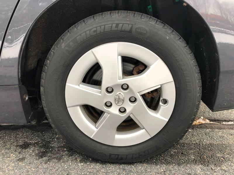 Toyota Prius 2011 price $6,997