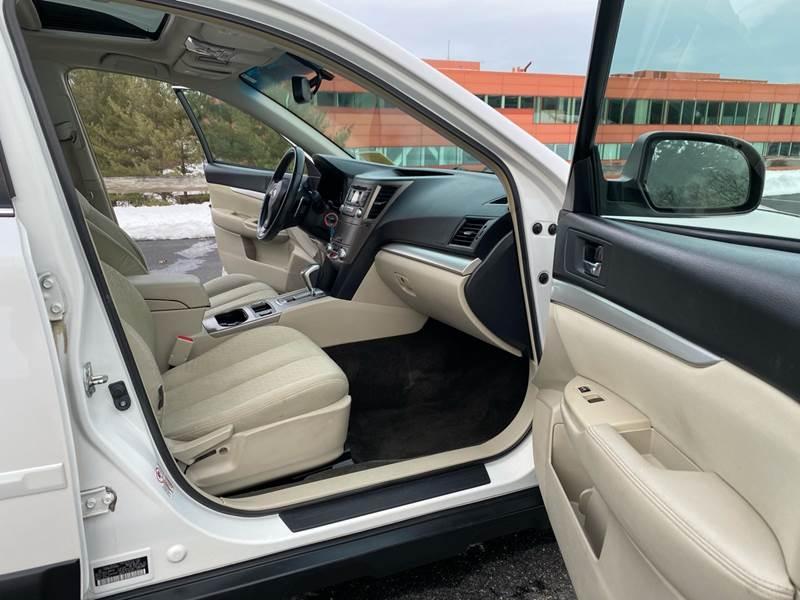 Subaru Outback 2012 price $8,997