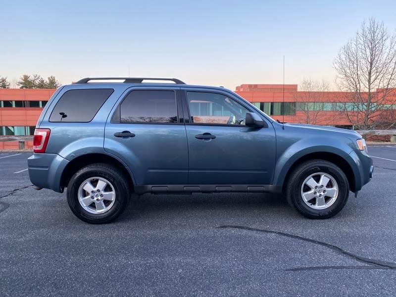 Ford Escape 2011 price $4,497
