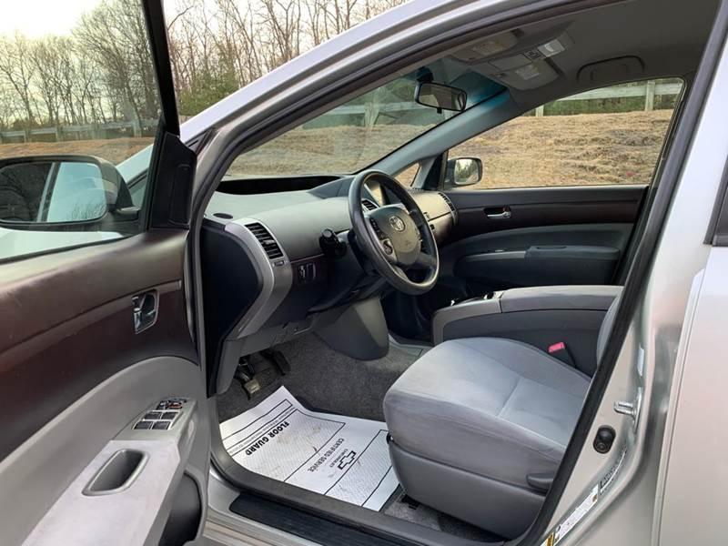 Toyota Prius 2005 price $4,497