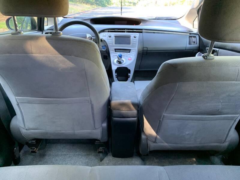 Toyota Prius 2013 price $8,997