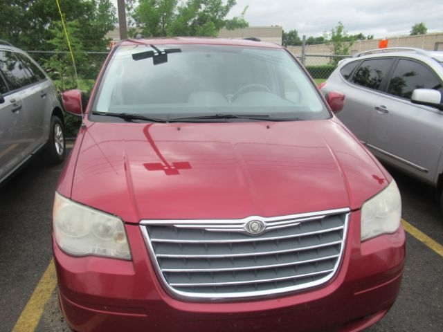 Chrysler Town & Country 2010 price Call for price