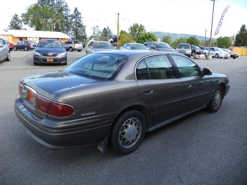Buick LeSabre 2002 price $2,750
