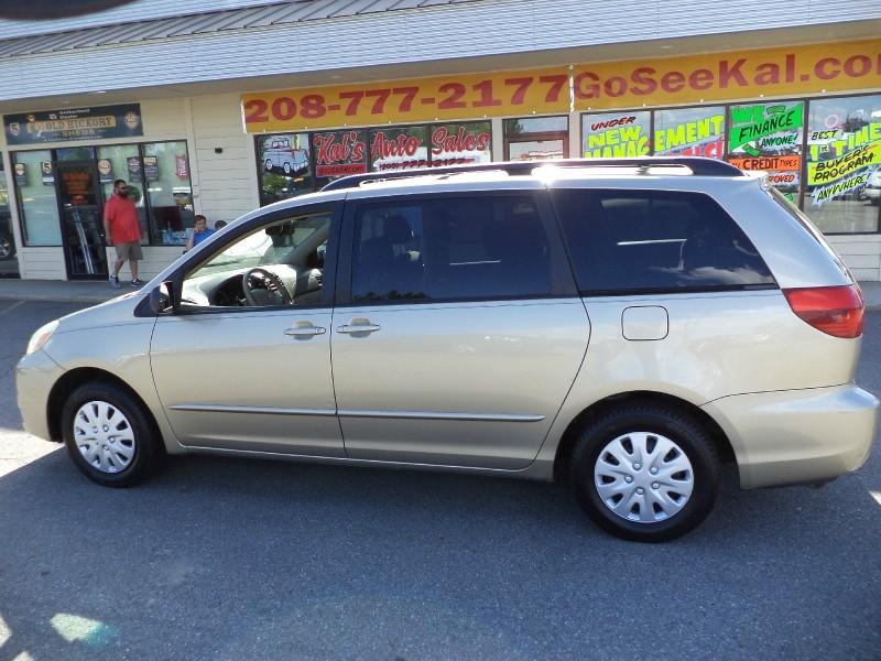 Toyota Sienna 2004 price $3,795