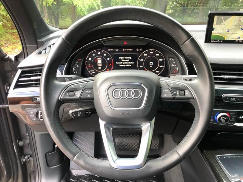 Audi Q7 2017 price $29,980