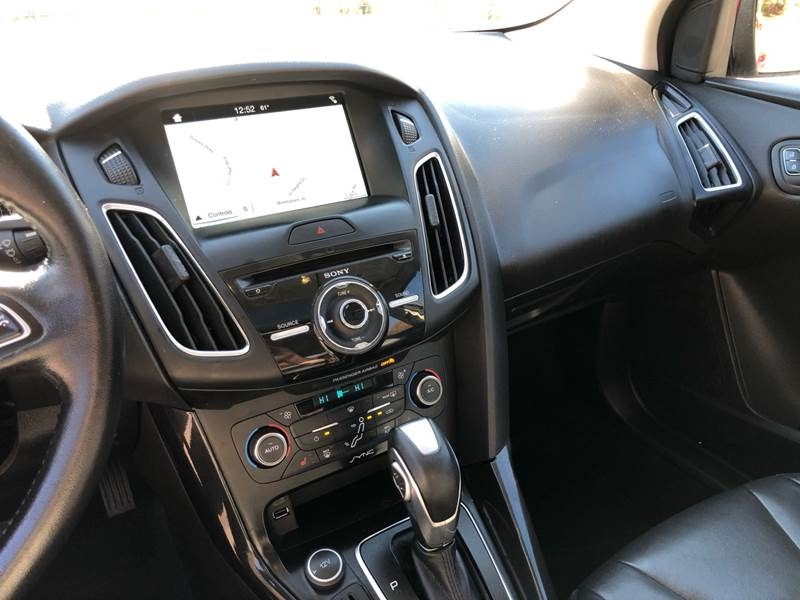 Ford Focus 2016 price $9,980