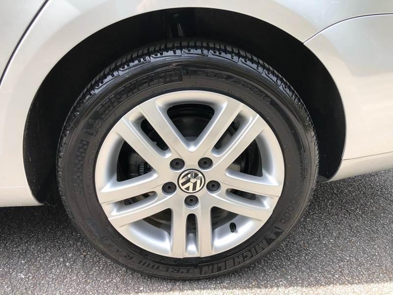 Volkswagen Jetta 2013 price $10,980