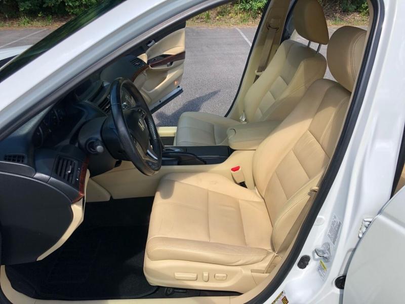 Honda Accord Crosstour 2011 price $6,980