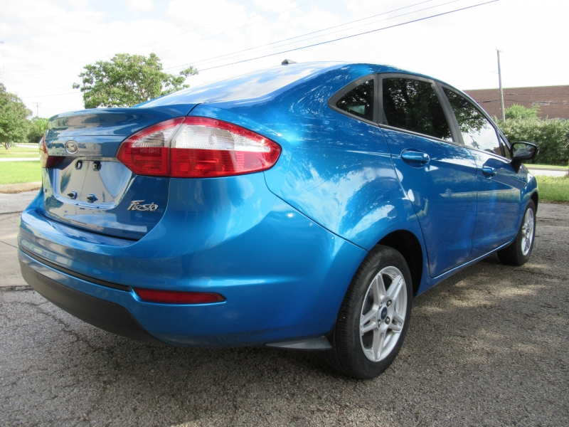 Ford Fiesta 2017 price $7,499
