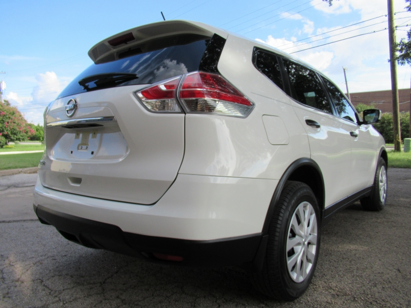 Nissan Rogue 2016 price $12,499
