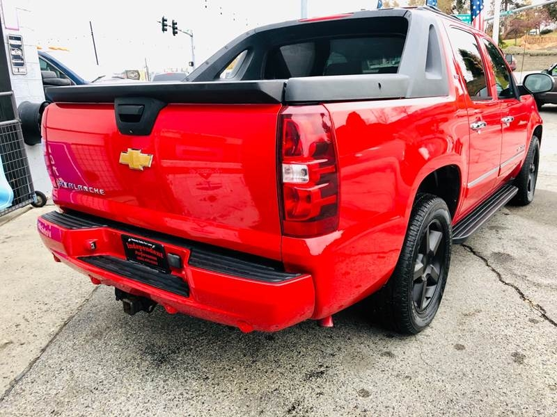 Chevrolet Avalanche 2010 price $13,999