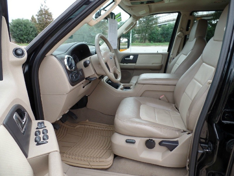 Ford Expedition 2006 price $8,996