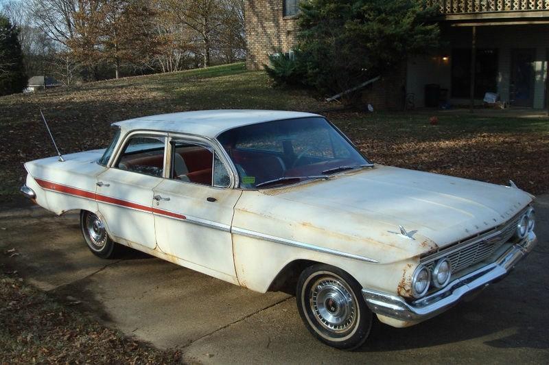 Chevrolet Impala 1961 price $10,990