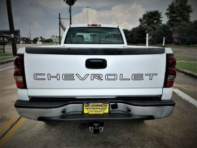 Chevrolet Silverado 2500HD 2006 price $6,990