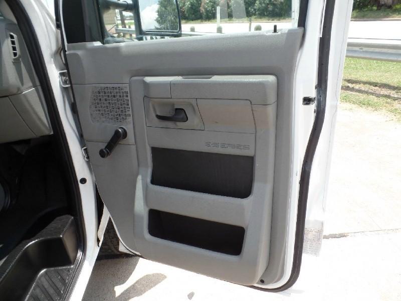 Ford Econoline Cargo Van 2011 price $12,990