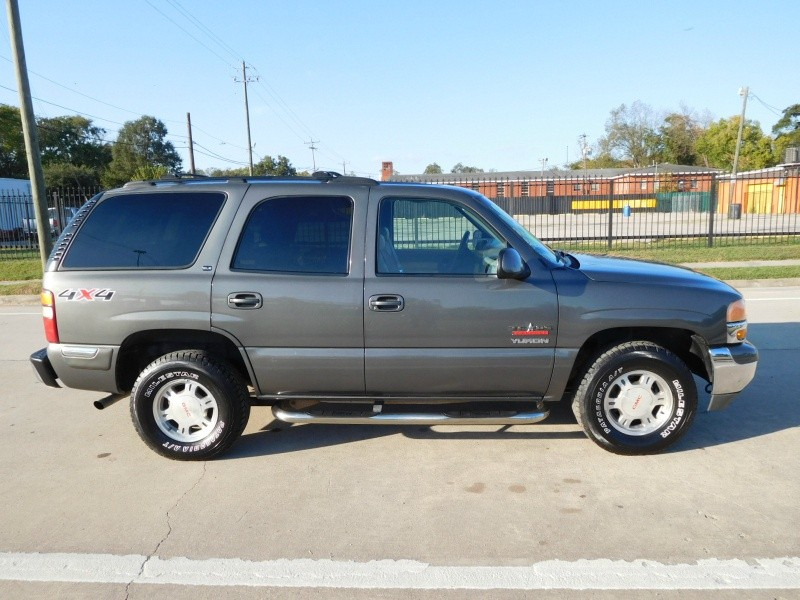 GMC Yukon 2001 price $1,999
