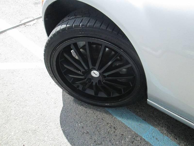 Mazda MX-5 Miata 2006 price $7,380