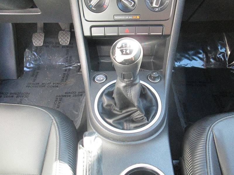Volkswagen Beetle 2013 price $7,480