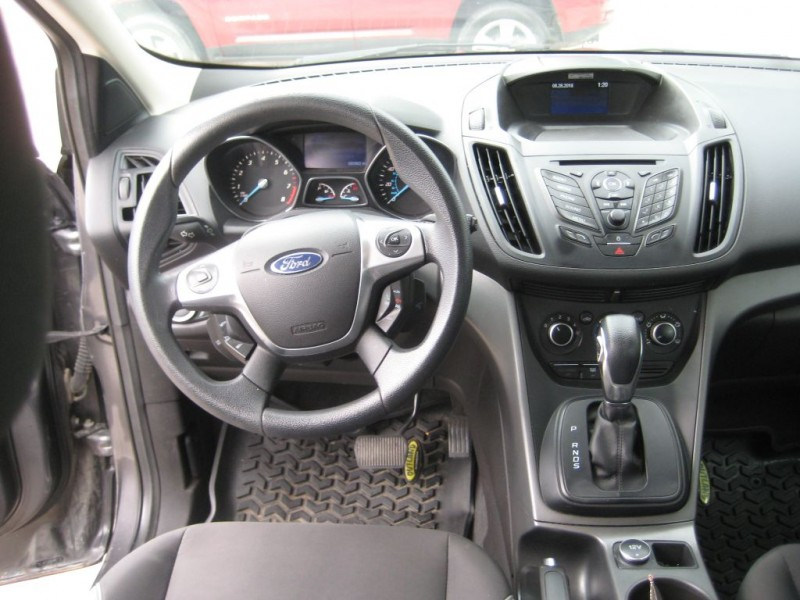 Ford ESCAPE 2013 price $9,300