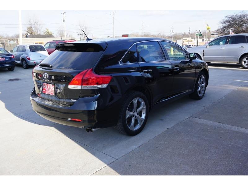 Toyota Venza 2010 price $14,200