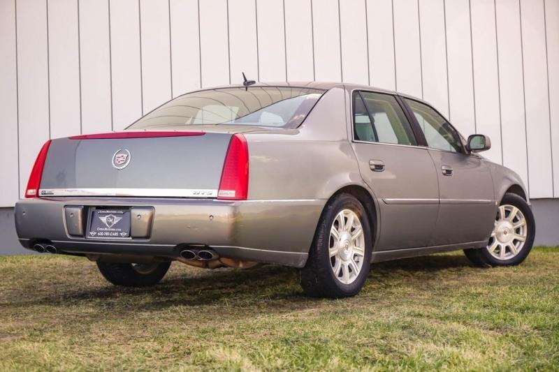 Cadillac DTS 2006 price $2,980