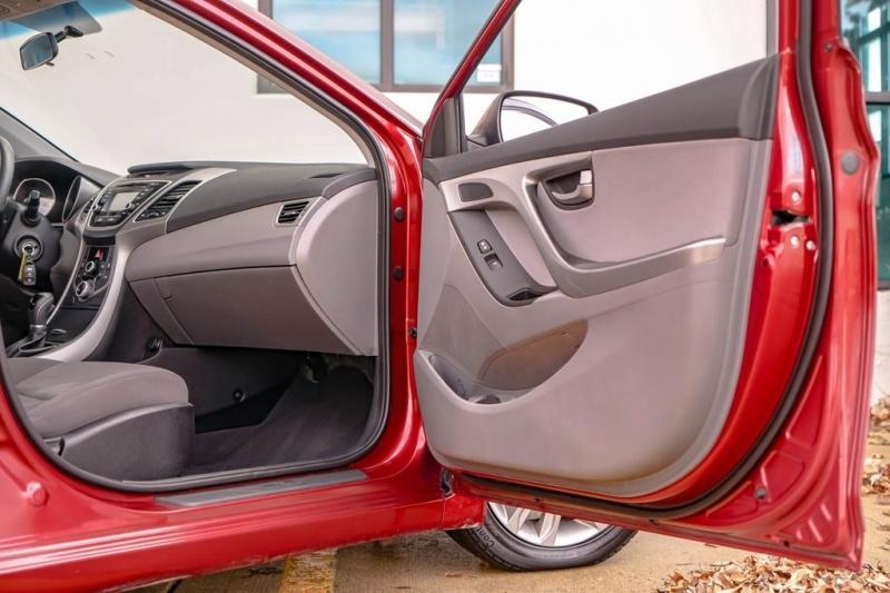 Hyundai Elantra 2016 price $8,990