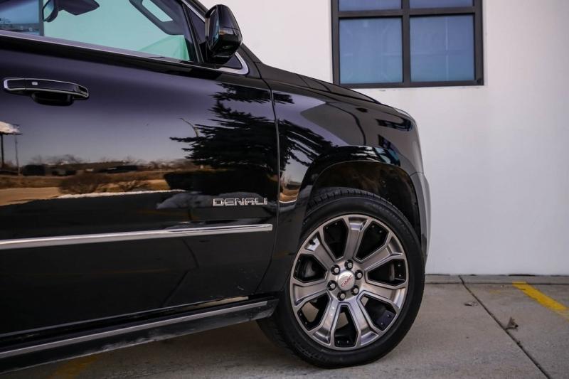 GMC Yukon XL 2016 price $33,880