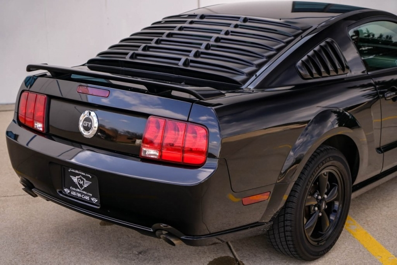 Ford Mustang 2005 price $10,980