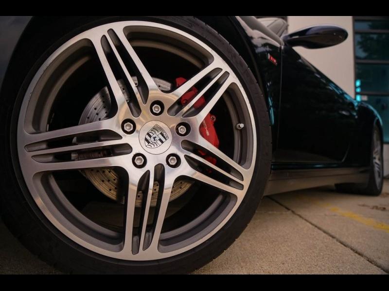 Porsche 911 2008 price $31,900