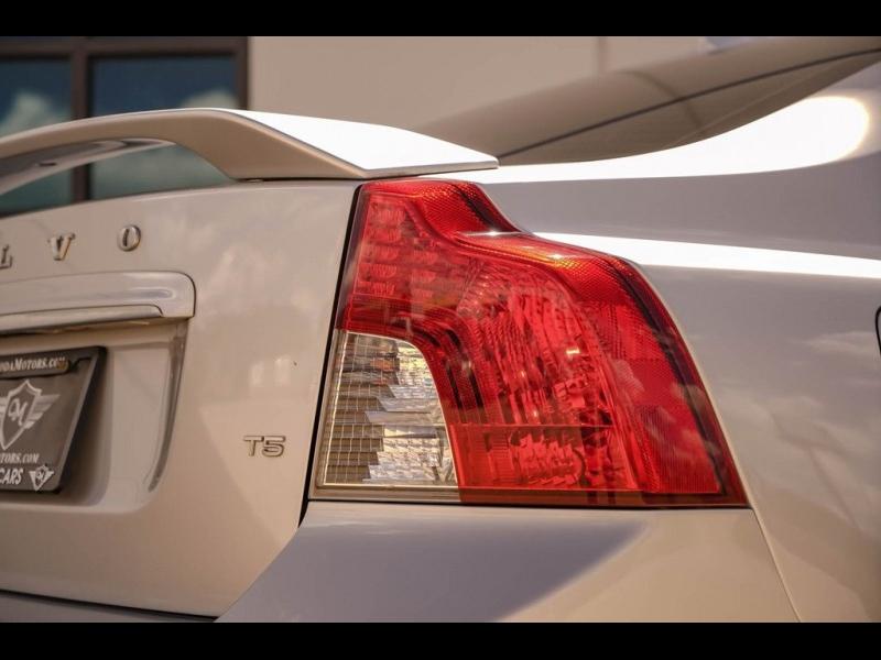 Volvo S40 2009 price $6,990