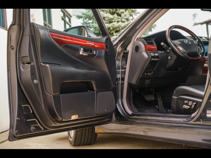 Lexus LS 2011 price $12,890