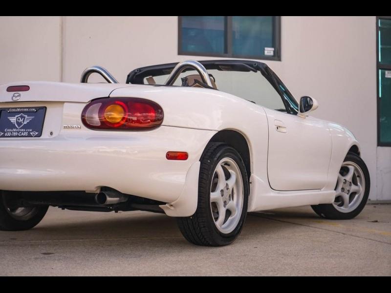 Mazda Miata 2000 price $8,480