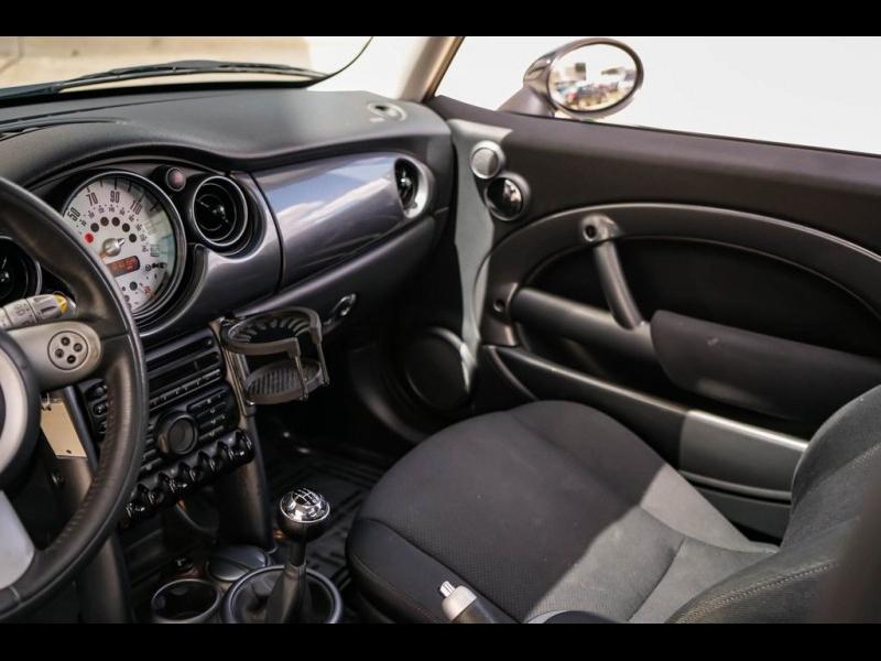 MINI Cooper 2005 price $6,980