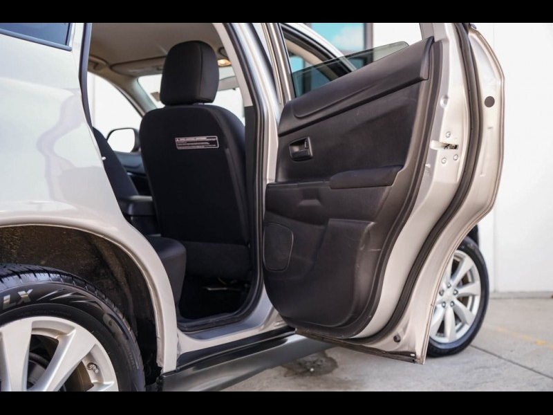 Mitsubishi Outlander Sport 2015 price $12,990