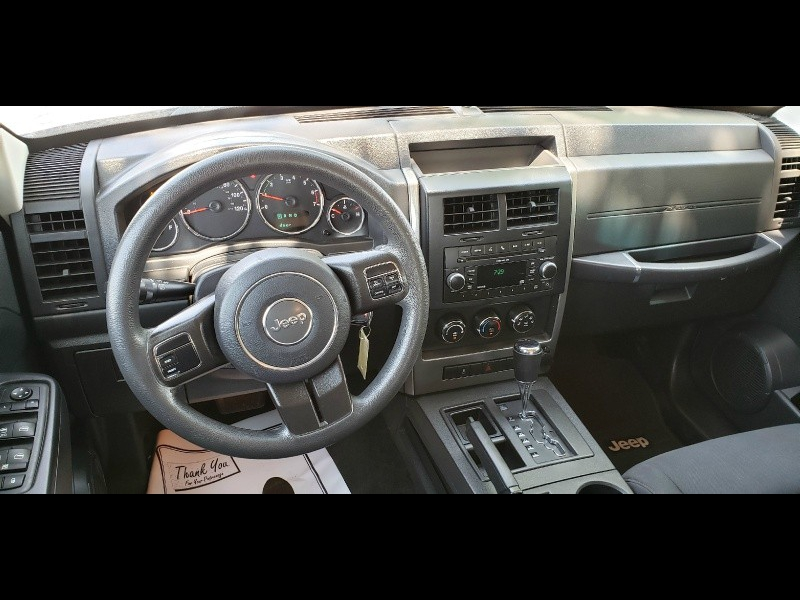 Jeep Liberty 2011 price Call for price