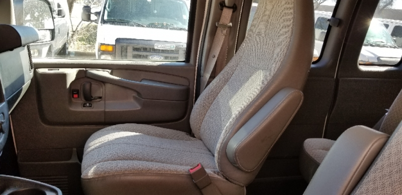 GMC Savana Passenger 2015 price $17,490