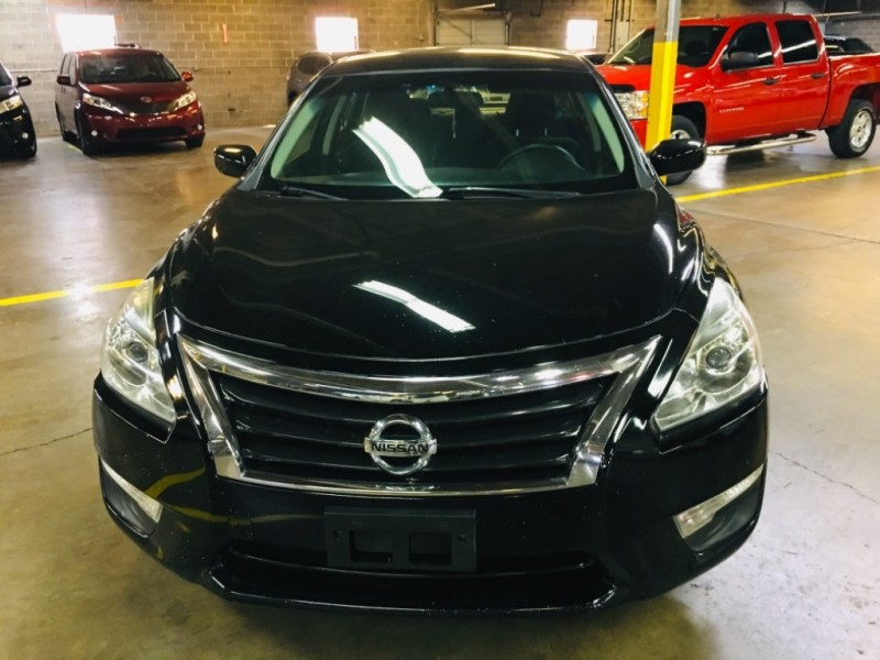 Nissan Altima 2015 price $11,200