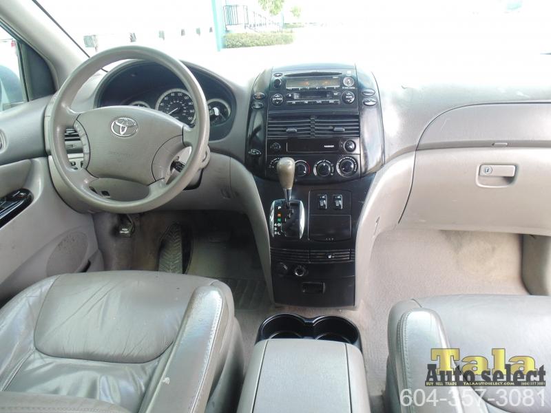 Toyota Sienna 2004 price $2,995