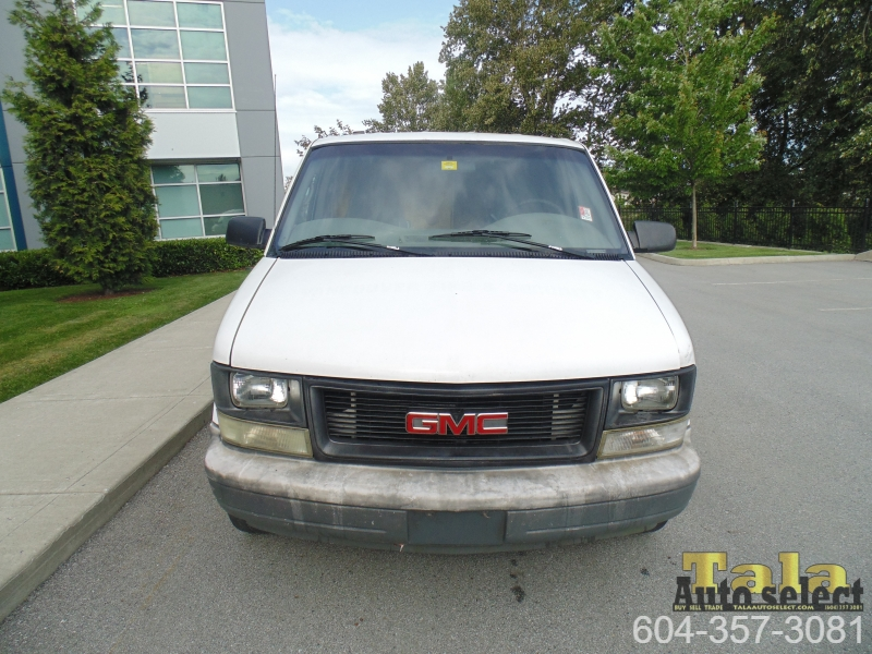 GMC Safari 2004 price $3,995