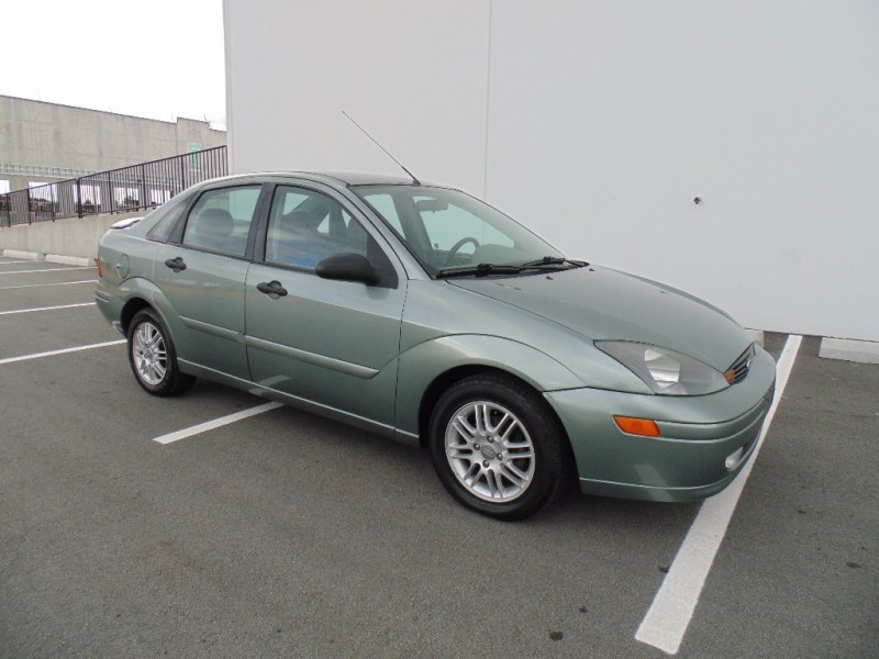 2003 ford focus zx4