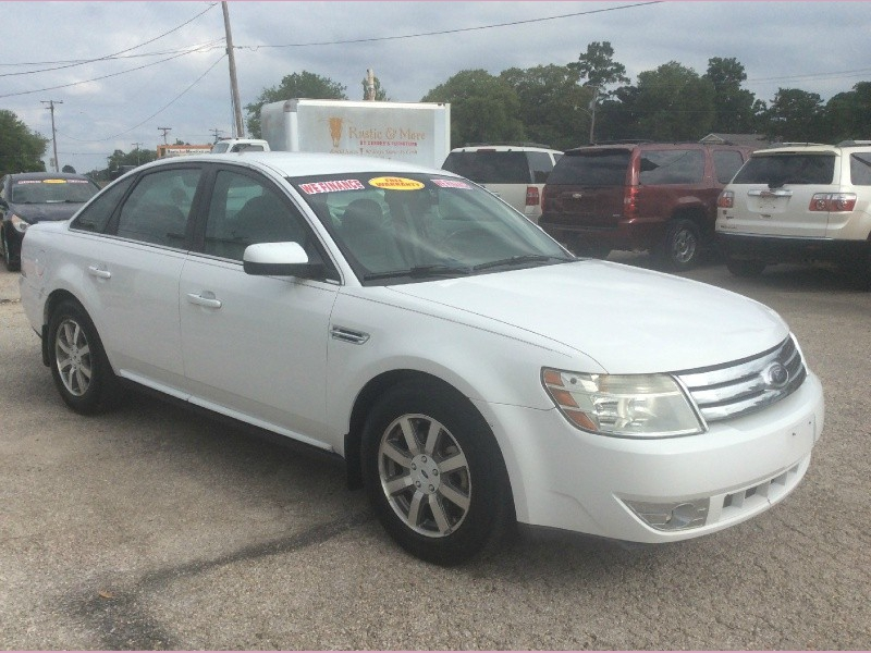 Ford Taurus 2008 price 900down