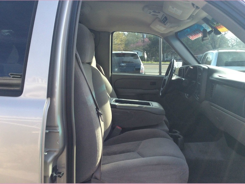 Chevrolet Tahoe 2004 price 3900cash