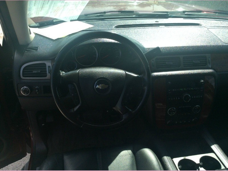 Chevrolet Suburban 2008 price 2000down