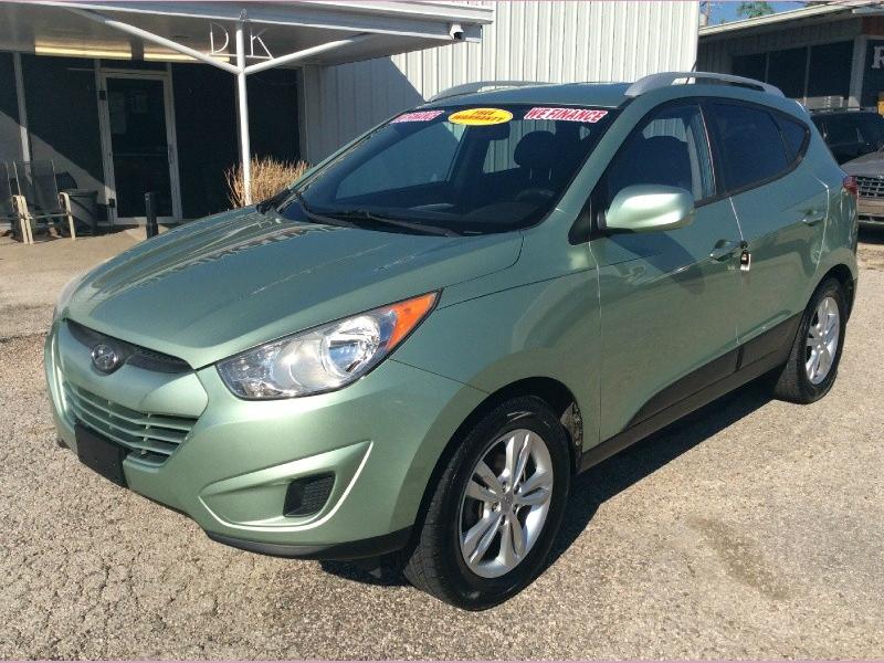 Hyundai Tucson 2011 price 1600down