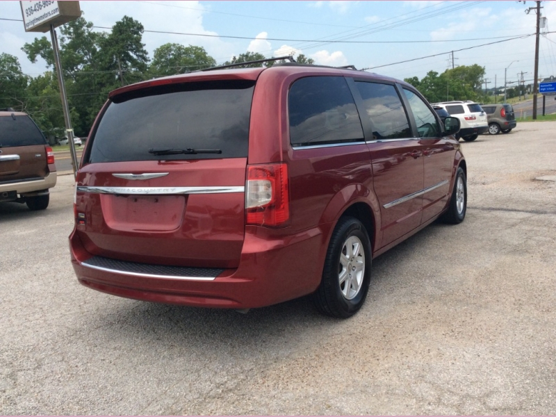 Chrysler Town & Country 2013 price 1300down