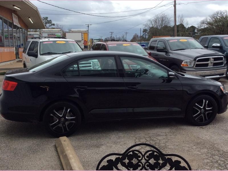 Volkswagen Jetta Sedan 2011 price 3700cash