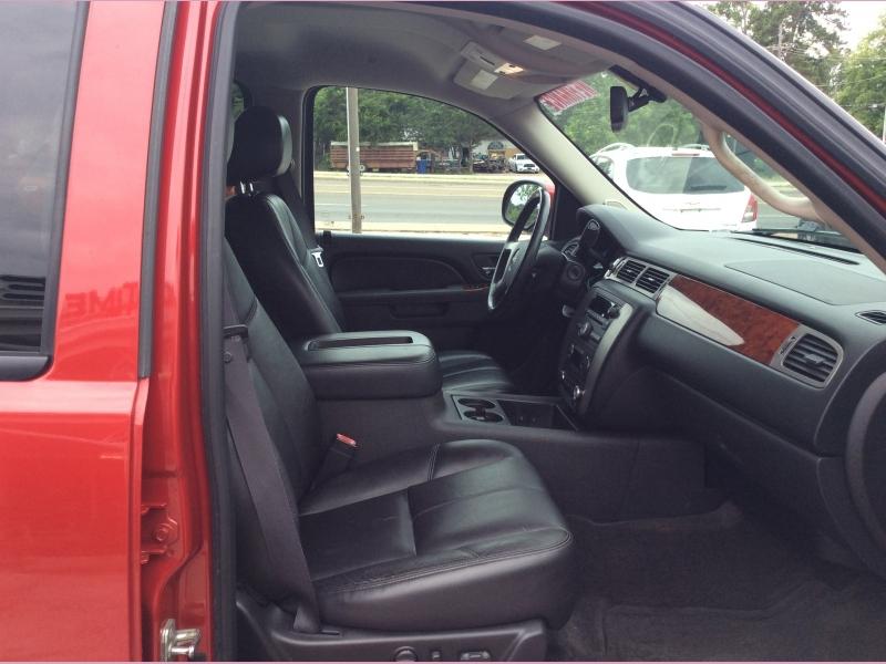 GMC Yukon XL 2012 price 2500down