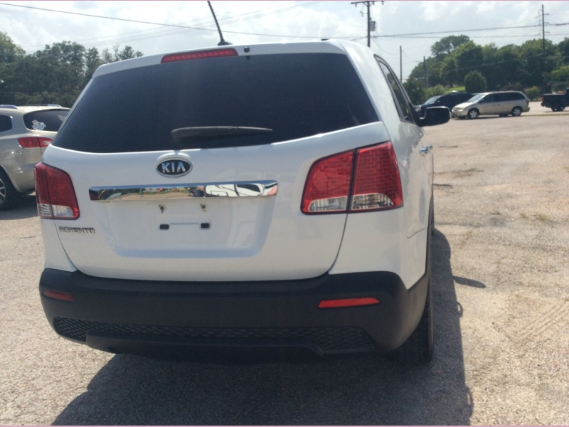 Kia Sorento 2011 price 3900cash